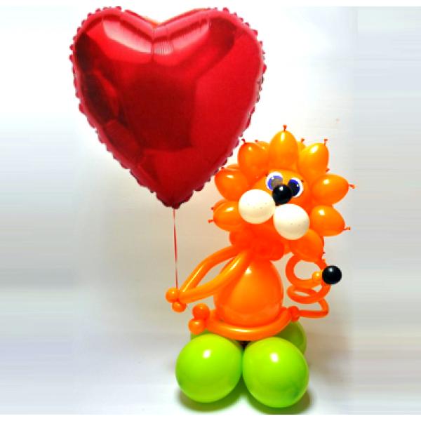 Фигура из воздушных шариков Львенок с шариком