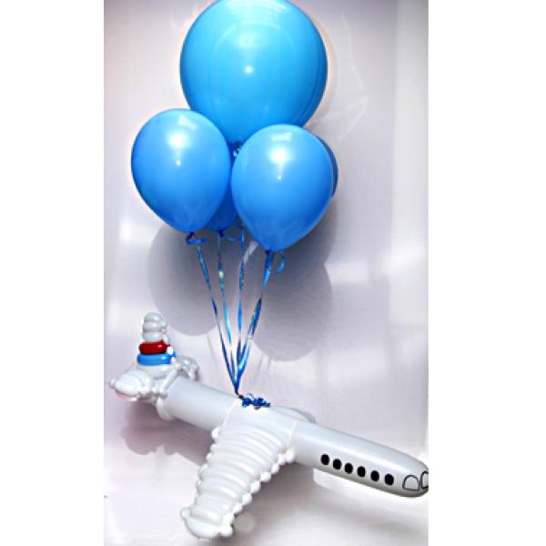 Фигура из воздушных шариков Полет в самолете