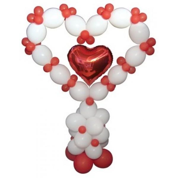 Фигура из воздушных шариков Сердце на стойке