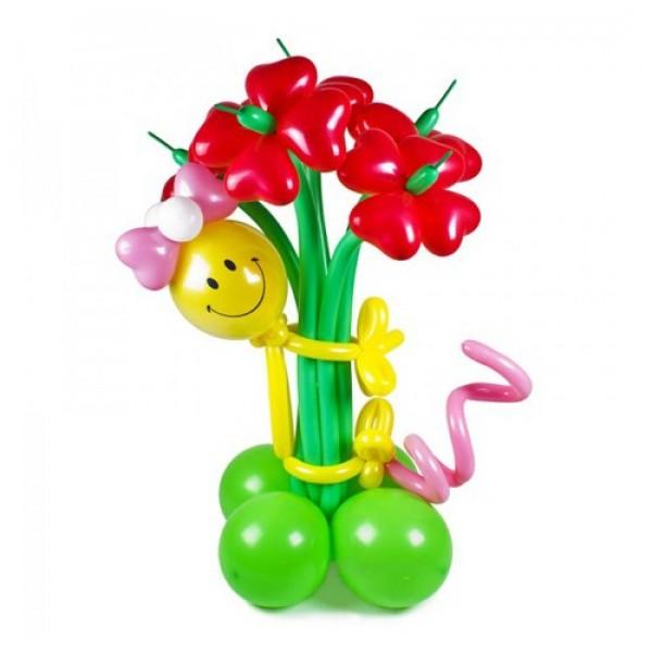 Фигура из воздушных шариков Девочка с букетом