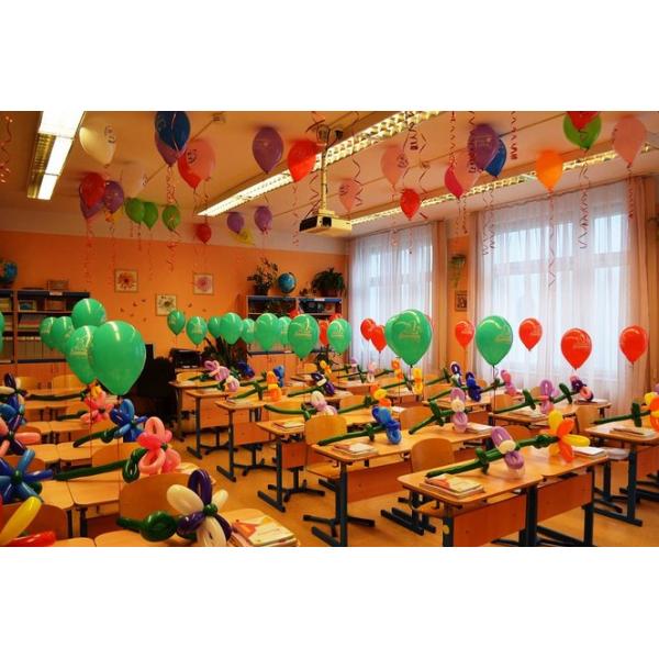 Композиция из воздушных шариков Снова в школу!